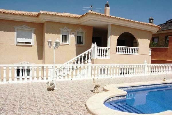 villa in Benijófar