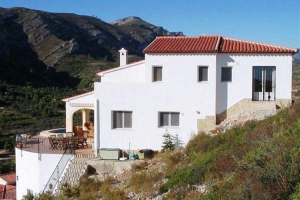 villa in Pedreguer for sale