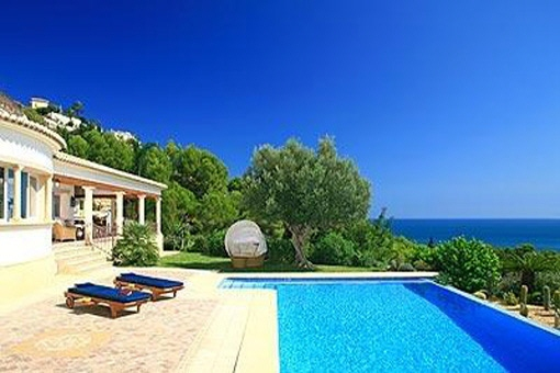 Luxury villa with private pool in Jávea