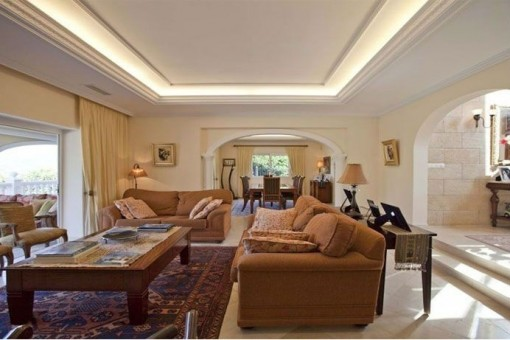 Spacious dining & living area with access to the terrace