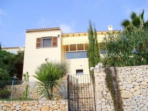 Villa with panoramic views over the valley of La Sella and the Mediterranean coast