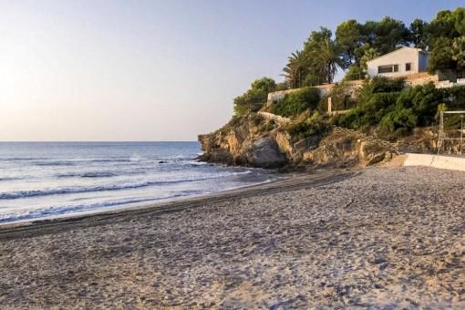 Close-by beach La Fustera