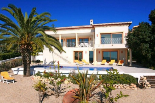 Luxury villa with pool on the seafront at the Benissa Coast, Alicante