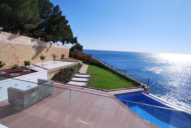 First line villa with amazing sea view and direct beach access in Benissa, Alicante